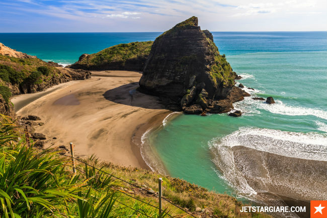 ve may bay di auckland hang jetstar