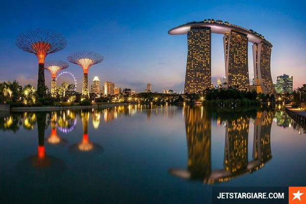 ve may bay gia re di singapore