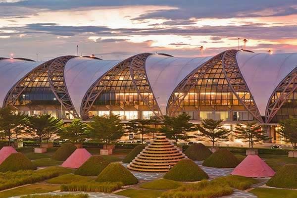 Bay thẳng đến Bangkok, Don Muang, Thái Lan